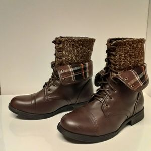 Forever Women's Brown Versatile Boots Size: 6